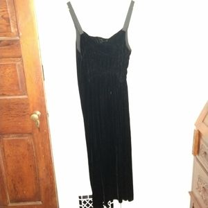 PUREDKNY Retro Midi Black Crushed Velvet Dress